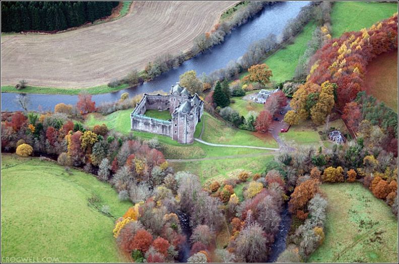 Doune Castle from the air.jpg