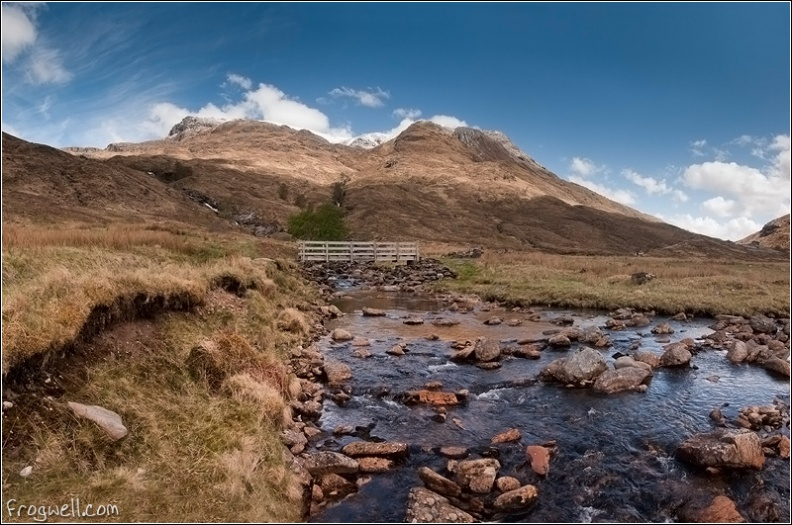 Bridge over Allt Coire nan Laogh.jpg