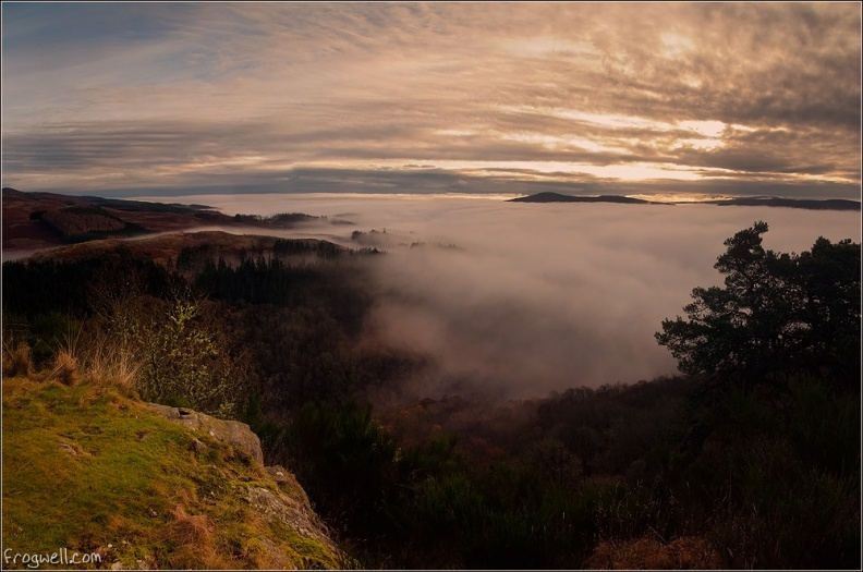 Cloud inversion over Strathtay from Melville Monument.jpg