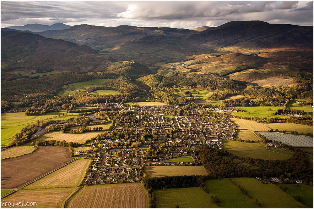 Comrie from the air 001